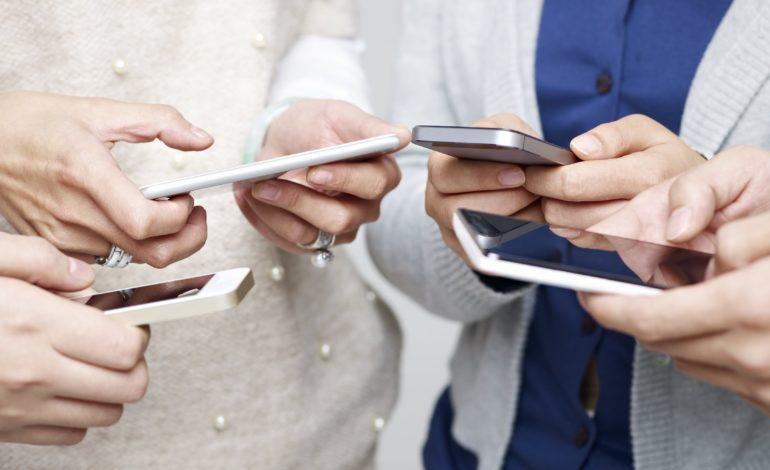 Nomofobi 'Telefon Bağımlılığı' Nedir? Üstesinden Nasıl Gelinir?