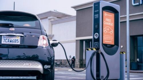 Elektrikli arabaların ev şarj kurulumu